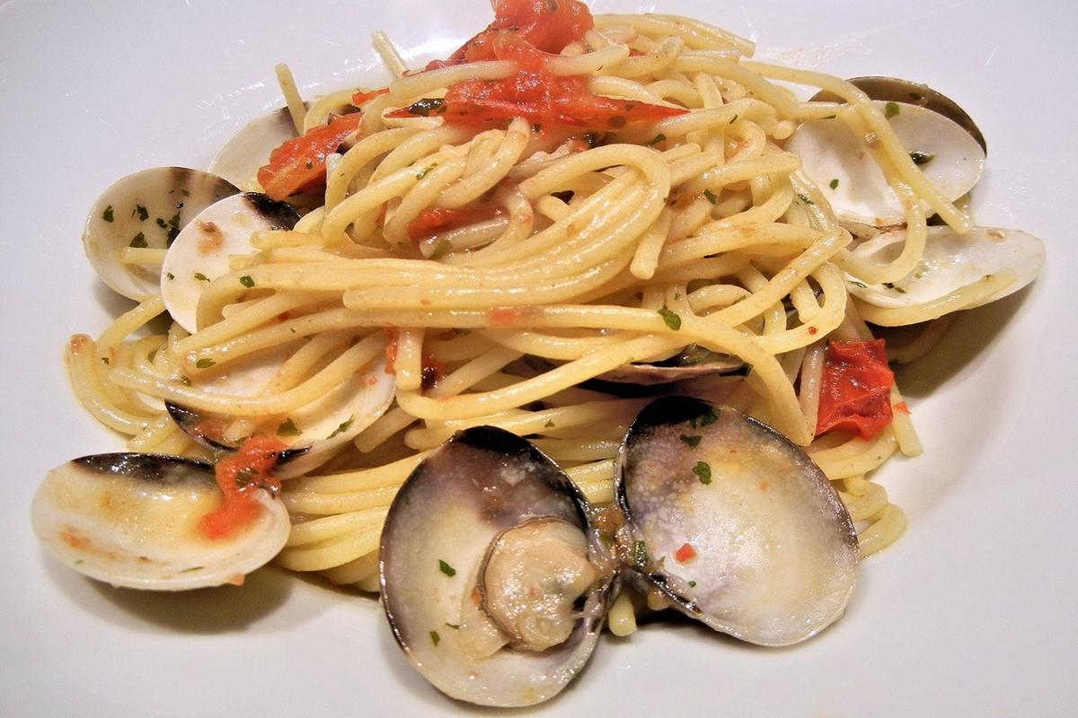 spaghetti-vongole-costa-amalfi